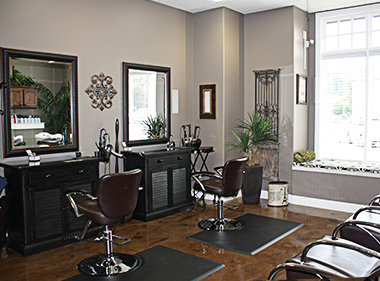 L Paradis Salon Stylist Stations